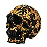 VOSAREA Figura decorativa de resina de cráneo con forma de calavera, estatua para casa de Halloween, decoración (negro y dorado Carving)